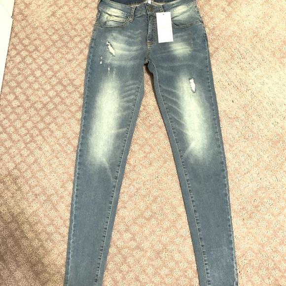 e38944f0e71e9 Colombian jeans. NWT. leonisa